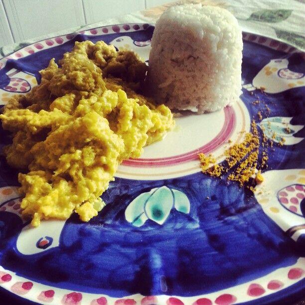 Riso Thai profumato con pollo al curry