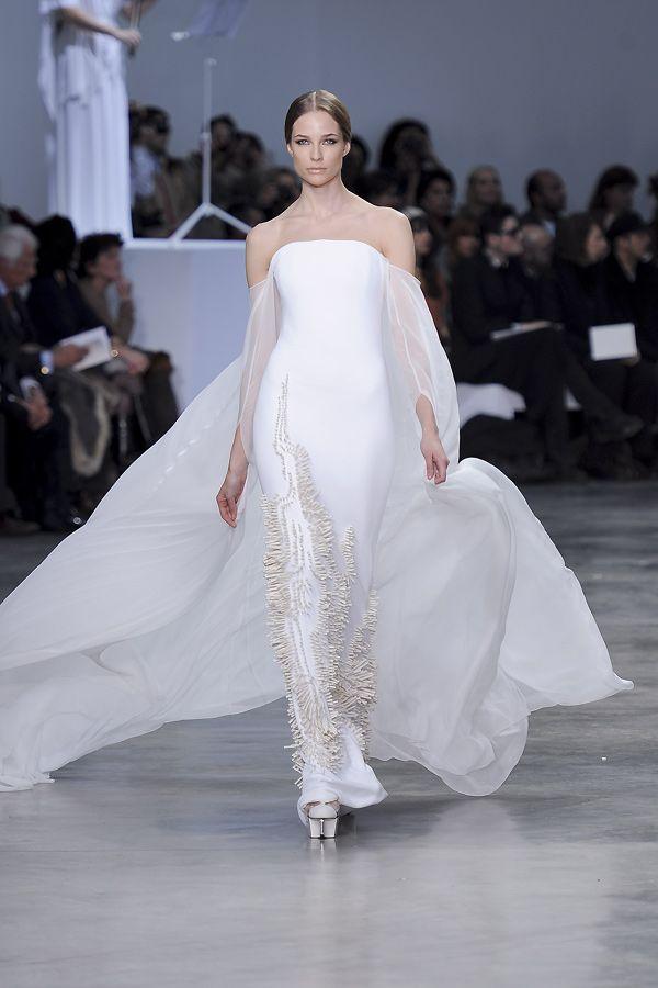 Kleid mit Schleppe von Stéphane Rolland Couture