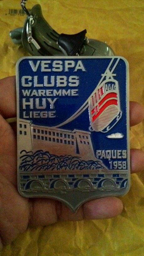 Badge vespa club waremme huy liege Size 6 cm to 8.5