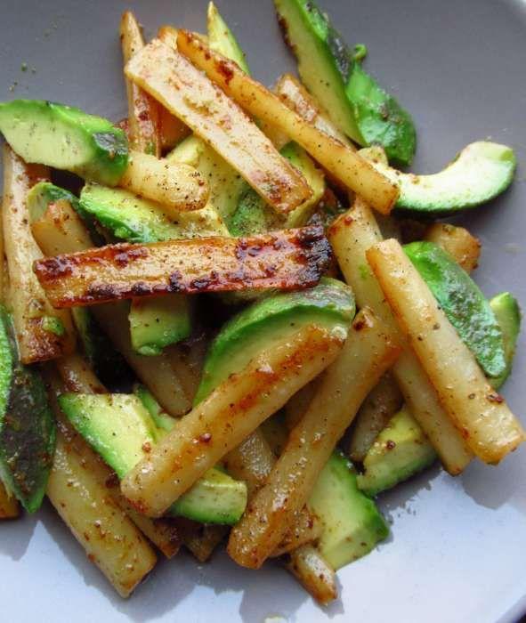 Lauwwarme salade van schorseneren en avocado