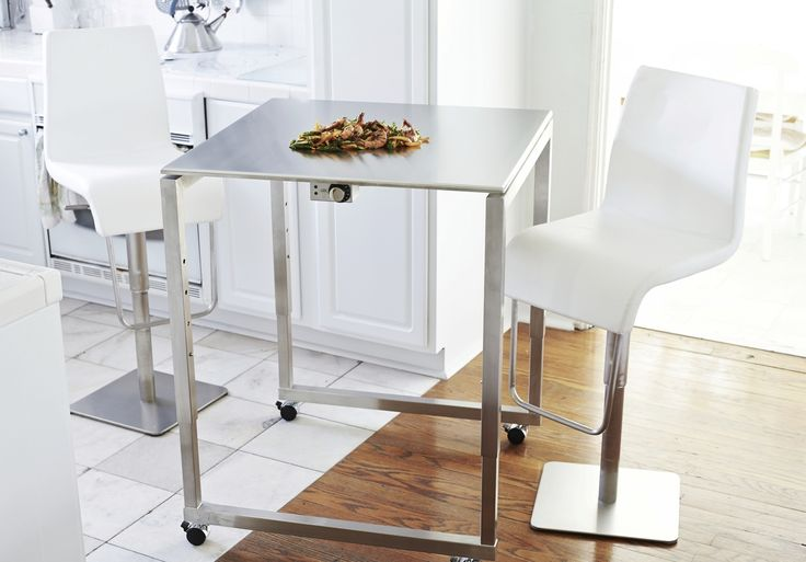 A lovely Sunday afternoon is a wonderful time to grill up some fun on the teppanyaki! Casual height-adjustable Cook-N-Dine tables make for an excellent indoor/outdoor option, so you can enjoy no matter what the weather.