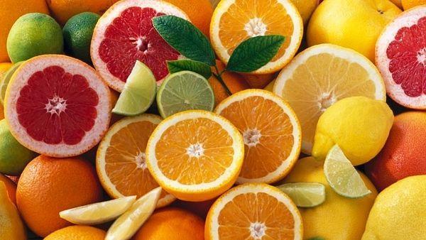 Zejména v letním období by tak lidé měli konzumovat citrusy minimálně.