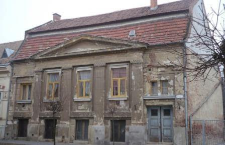 """A szombathelyi """"Ébredés"""" Szabadkőműves páholy székháza - ma / The old masonic lodge house in Szombathely - nowadays."""