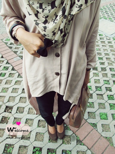 The cardigan and the bow ring. <3 #hijab