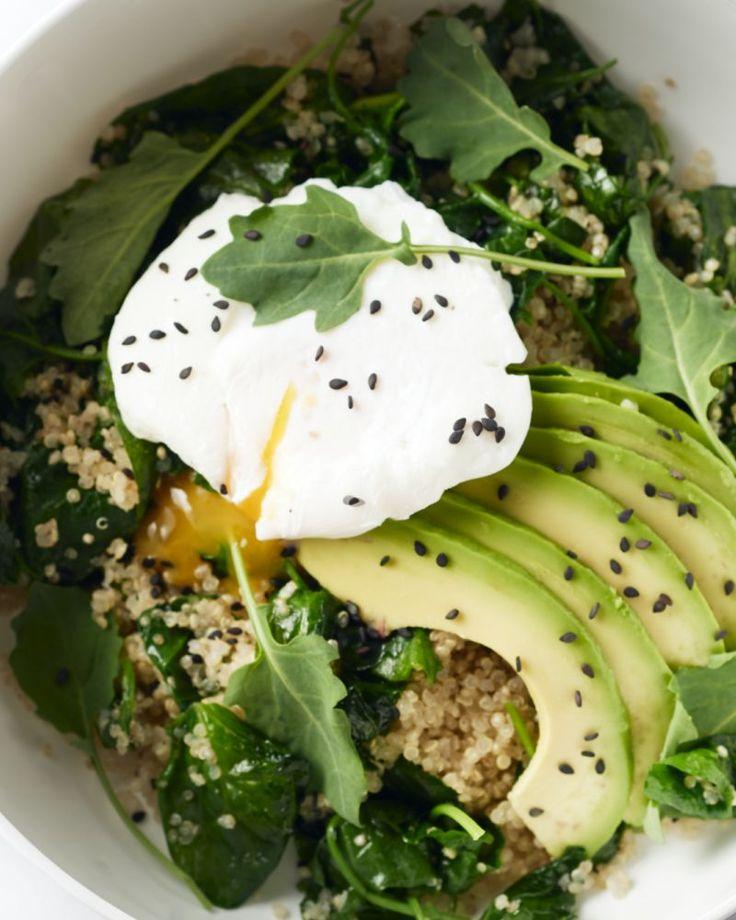 Green goddess kommetjes zijn een (ontbijt)trend die overgewaaid is van Amerika. Een prachtige bowl bomvol groene groenten. Perfect om je dag op gang te trekken.