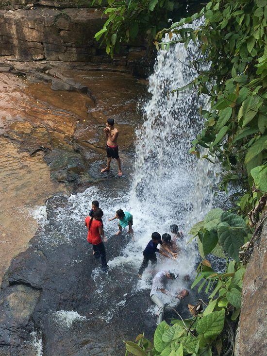 Kbal Chhay Waterfalls - Sihanoukville Cambodia