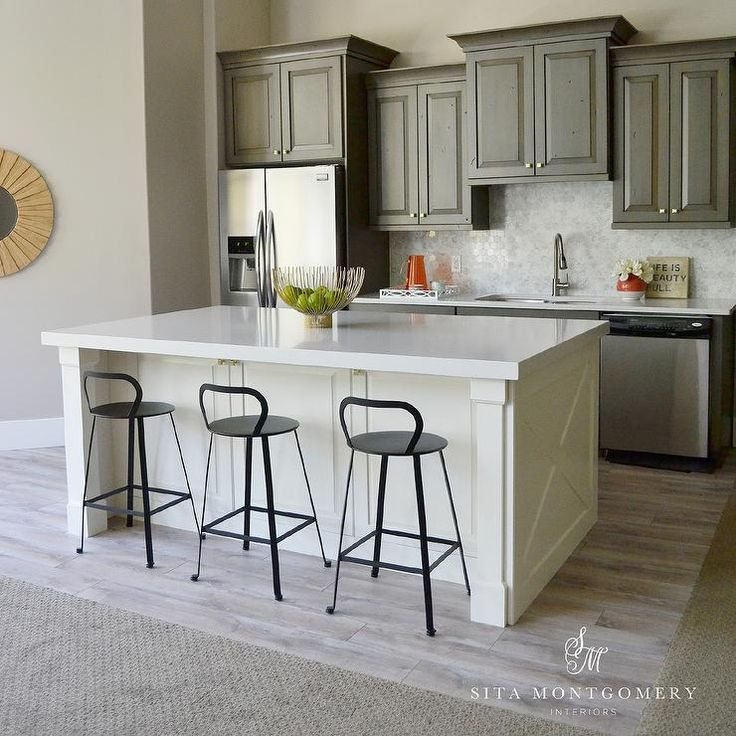 White Kitchen Cabinets With White Quartz: 1000+ Ideas About Ivory Kitchen Cabinets On Pinterest