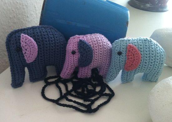 #sangkuffert#en#elefant#kom#marcherende#hæklet#elefant#