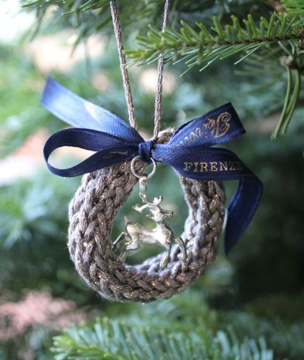 wreath ornaments knitted with a spool wreath