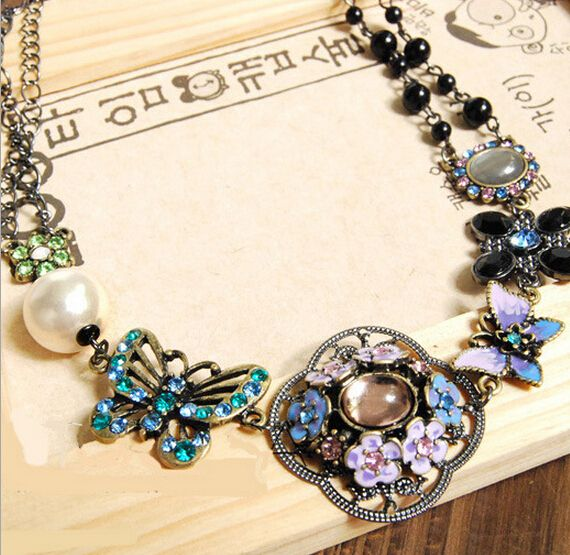 Find More Choker Necklaces Information about European Vintage Rhinestone Choker Necklace Butterfly and Flower Necklace Women Pearl Colar,High Quality necklace body,China necklace house Suppliers, Cheap necklace stud from Chic Shoes Mall on Aliexpress.com