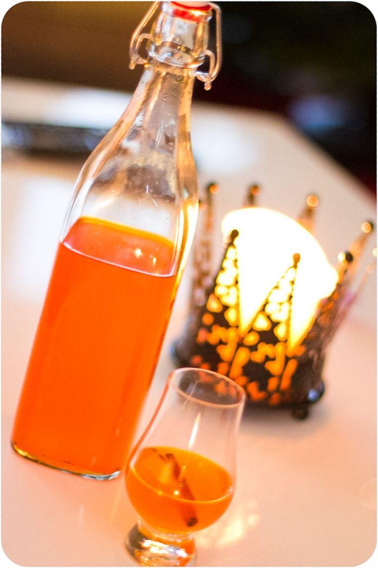 Här kommer ett glöggrecept utan socker som jag sitter och sipprar på nu, underbart gott!! 1 flaska vitt halvtorrt vin, gärna någon Riesling 2 st kanelstänger 1 cm färsk ingefära 6 st vitpepparkorn 6 st nejlikor 1 pkt saffran (0,5 g) eller några strån trådsaffran 1 st vaniljstång 2 msk Ica sötströ 0.5 st apelsin, skalet […]