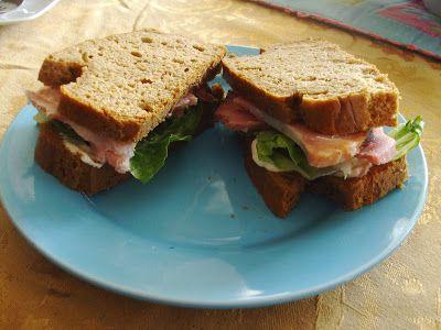 24/7 Low Carb Diner: Mr. Peanut Sandwich Bread 1 cup natural peanut butter, smooth 3 eggs 1 Tablespoon vinegar 1/2 teaspoon baking soda 1/4 teaspoon salt 1 packet sweetener (optional)
