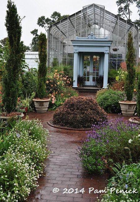 Visit to Wave Hill, a Hudson River estate garden in New York City   Digging