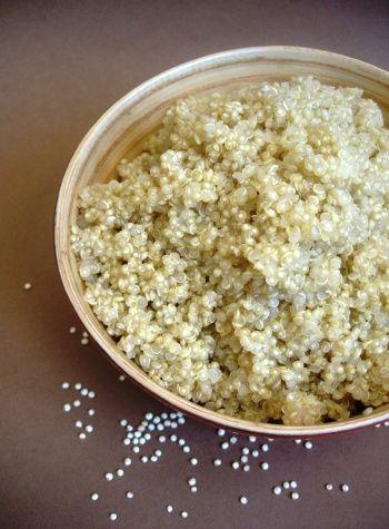 - Aliment pour perdre du ventre.  -        Le quinoa est un aliment qui aide à maigrir du ventre.  -       Le quinoa est riche en sucres...