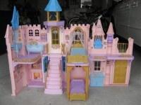 """στις αγγελίες """"χαρίζω"""" στο babyfeat θα βρείτε το κάστρο της Μπάρμπη!"""