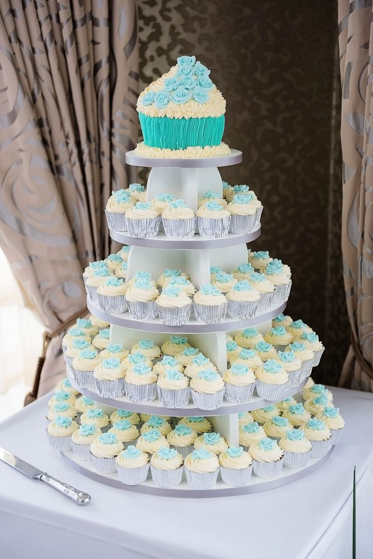Becky & Tom's #Cupcake Tower from BouqCake
