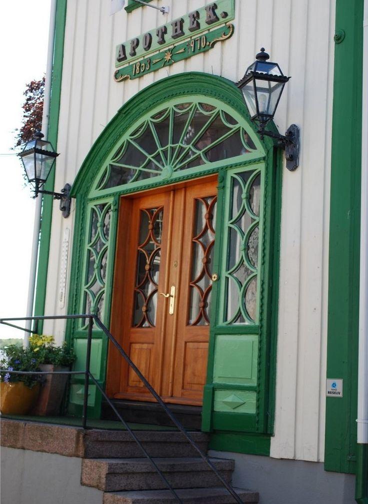 Door to a restaurant in Grimstad, South Norway  www.apotekergaarden.no