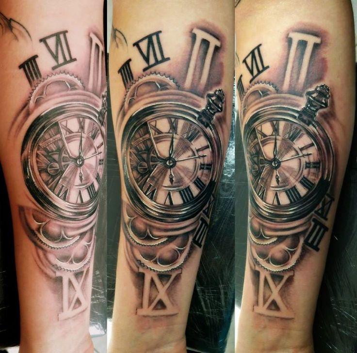 horloge, rouages, tattoo réalisé par Aurélien