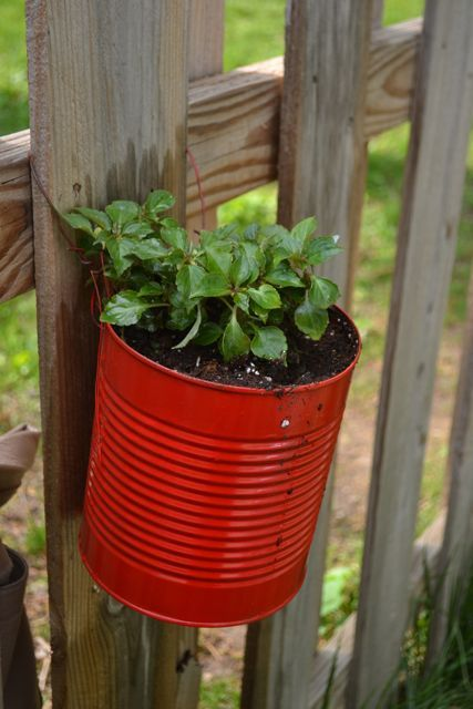 Making Fence Planters From Cans Posts Sweet And Chain Links
