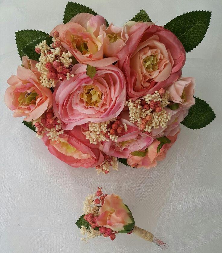 Günaydın 💐 İletişim için: 05337323048 #bugune_burcumercan#gelintacı#gelinbuketiseti#gelinbuketi#gelincicegi#gelinçiçekleri#gelinçiçeği#gelinaksesuarı#çiçekligelintacı#buket#çiçek #yapayçiçek#yakaçiçeği#gelin#damat#düğün#bridalflowers#bridal#acessorios#wedding#weddingbouquets#weddingaccessories#bridalaccessories#bohem#naturel#flowers #boutique #istanbul