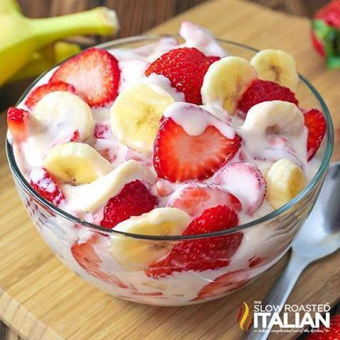 STRAWBERRY BANANA CHEESECAKE SALAD Strawberry Banana Cheesecake Salad will be an excellent addition to your Thanksgiving menu! A delicious twist on your classic fruit salad! RECIPE HERE~…