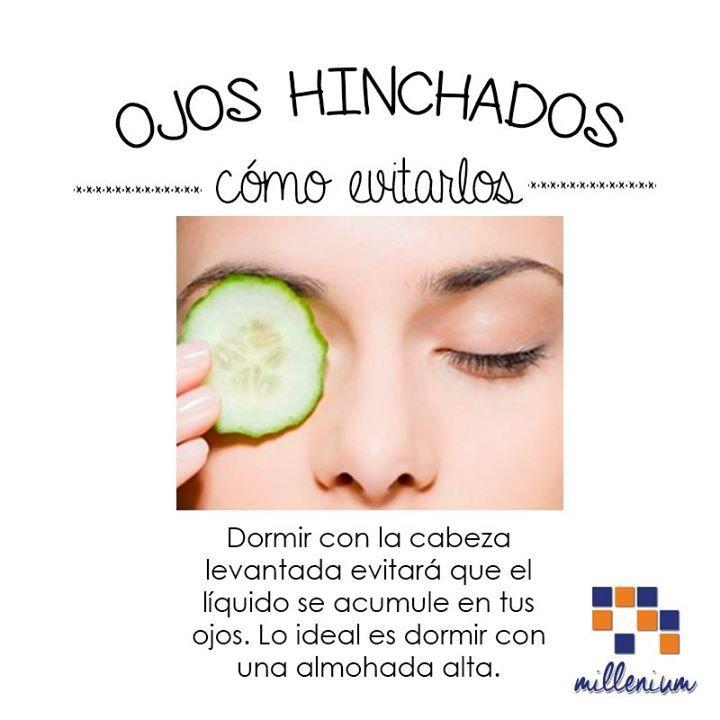 Los ojos hinchados y la congestión de los senos paranasales también se afectan con la presión de los líquidos en la cabeza porque así como la presión aumenta en el cerebro lo mismo sucede con el rostro donde se acumulan líquidos en toda la cara y se inflaman los párpados los labiosencías nariz senos paranasales oídos etc. Si aún así se te hinchan los ojos usa crema de hamamelis