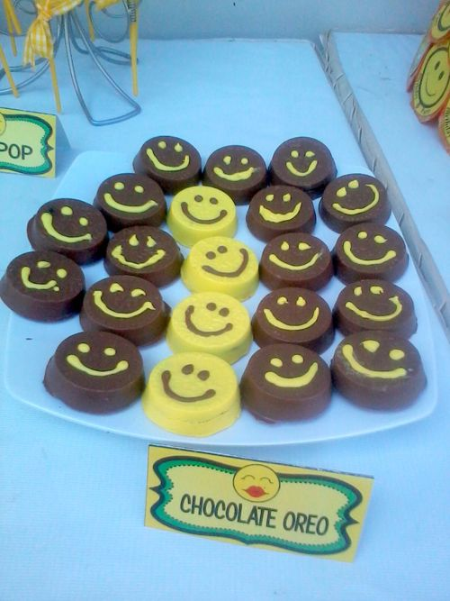 Chocolate oreo smile