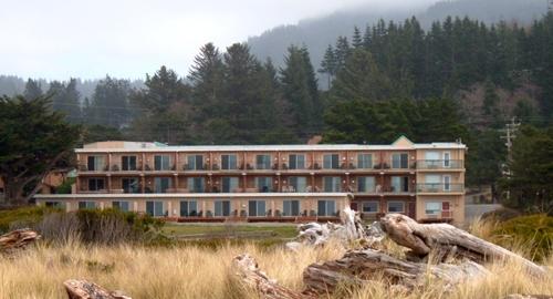 Inn of the Beachcomber - Gold Beach Oregon