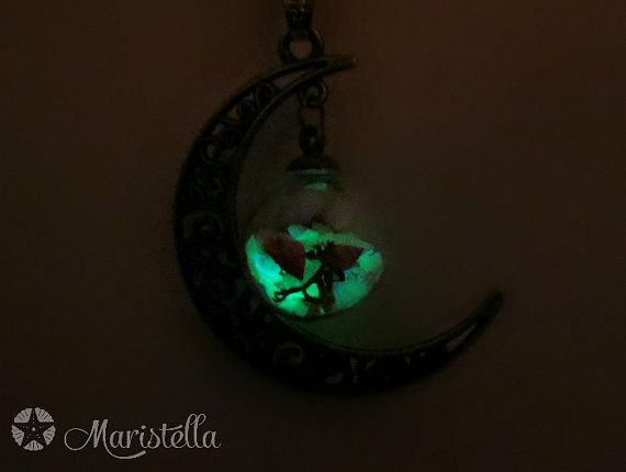Moon Globe necklace. GLOW in THE DARK white by Maristella890