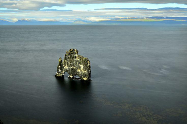 Vatnsnes, Islandia. Postal ganadora Marzo 2014. ¡Felicidades Cristina Torres! #Islandia #Vatnsnes #Roca #Oceano #Agua #LPTraveller #PostalesLP