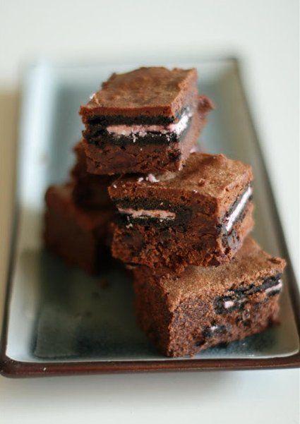 Brownie de galletas Oreo (con crema de fresa)