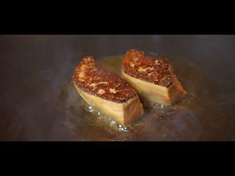 フォアグラ フランス料理「エルフォアグラ フランス  世界三大珍味として有名な食材。ガチョウやアヒルなどに沢山のエサを与えることにより、肝臓を肥大させて得る。フランスではクリスマスや祝い事の伝統料理(ご馳走)となる。濃厚な味であるため、フランス料理の食材の一つとなり、宮廷料理となったり、美食家、富裕層に食される。 フレンチ