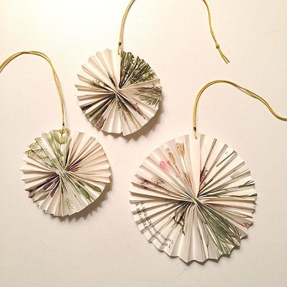 """Iceflowers"" - Christmas, recycling old books Handmade by Littlelot Designstudio"