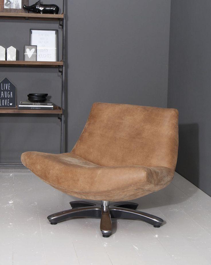 Leather chair. Leder fauteuil Coco op draaivoet.
