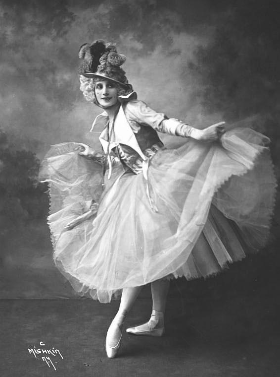 Anna Pavlova, ballerina, 1914