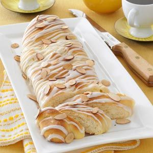 Cream Cheese Coffee Cake Recipe (Taste of Home)