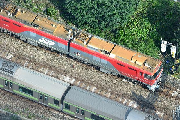 埼京線:貨物機関車故障で7時間不通 上下202本運休 - 毎日新聞