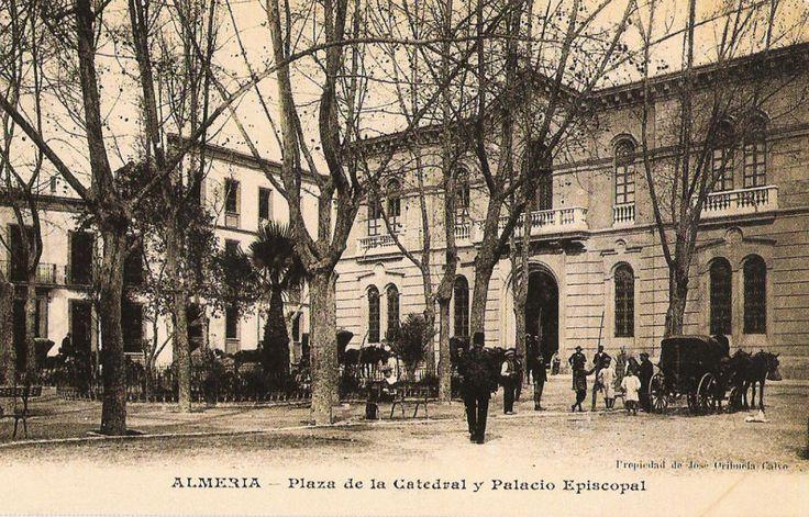 Plaza de la Catedral y Palacio Episcopal de Almería