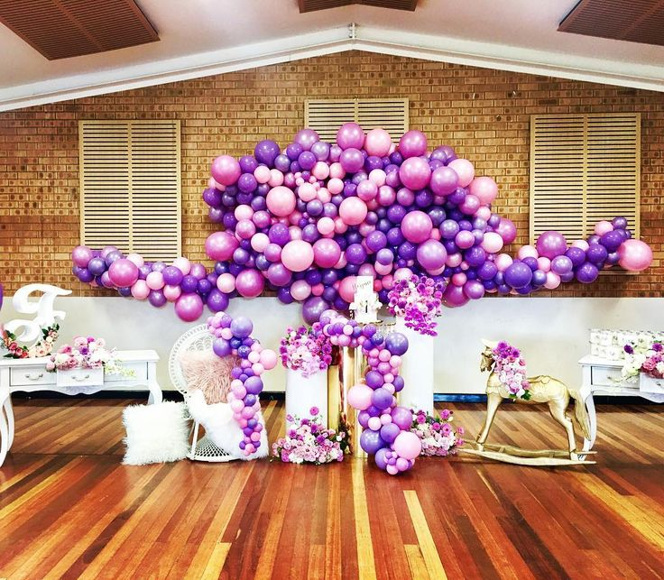 Organic purple and pinks balloon wall     #50shadesofpurple #huesofpurple #thecolourpurple #purpleballoondecor #eventstyling #partyideas #instalove #quirkyballoons