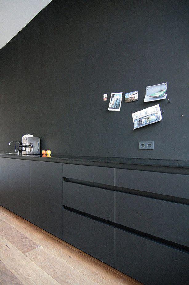 Zwarte keuken.