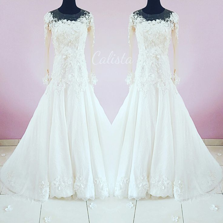 3d flower, full of lace and swarovski details  So in love with this wedding dress