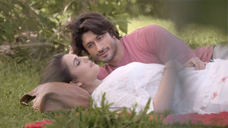 Here's a beautiful still of Huma Qureshi and Vidyut Jamwal from the beand new single 'Dillagi' sung by Rahat Fateh Ali Khan. Releses on June 8.@filmywave   #HumaQureshi #VidyutJamwal #Dillagi #RahatFatehAliKhan #TSeries #celebrity #bollywood #bollywoodactress #bollywoodactor #actor #actress #photooftheday #picoftheday #instapic #instadaily #instagood #instalike #like4like #followus #filmywave