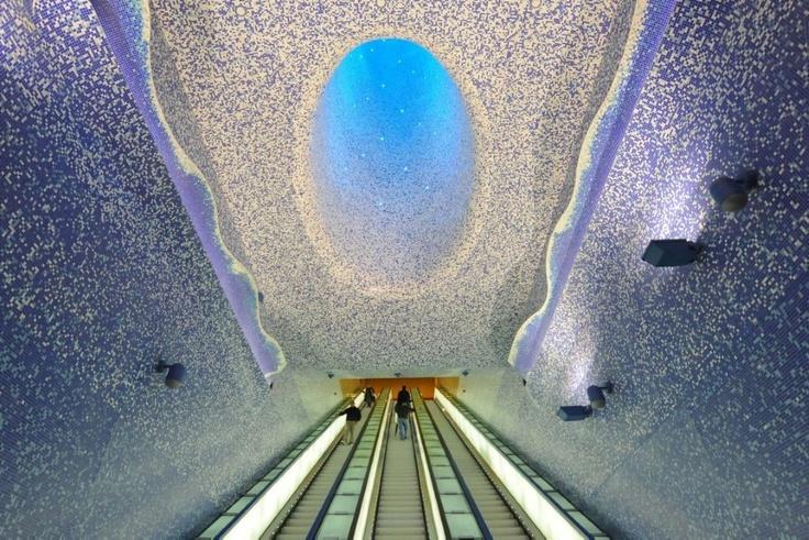 Metrostop in Naples -Toledo