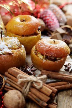 Marzipan-Bratapfel - ein absoluter Klassiker der Weihnachtsküche, der an kalten Tagen Herz und Seele wärmt!
