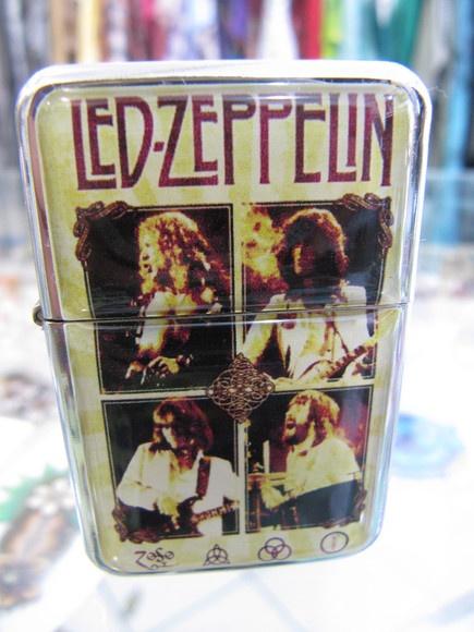 Isqueiro Led Zeppelin Cor: Prateado R$39,00