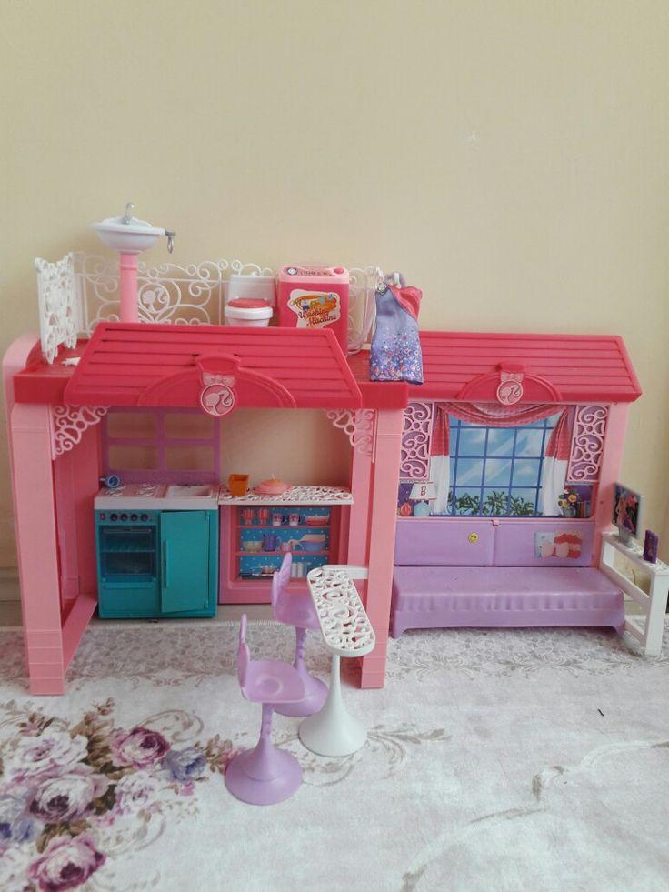Barbie ev Barbie home