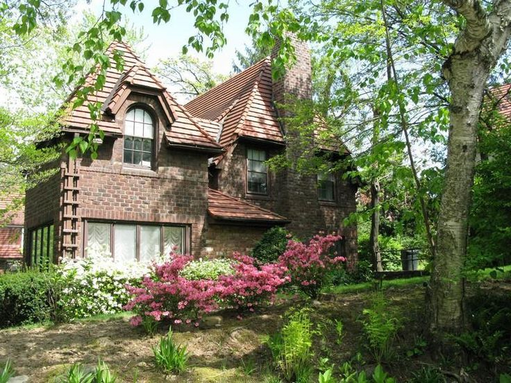 1000 images about forest hills gardens ny on pinterest for Forest hills gardens real estate