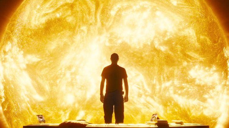 6- Sunshine - Danny Boyle (2007)