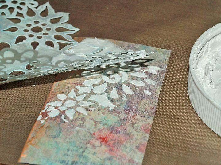 Birgit's Daily Bytes: Gesso Stenciling: 2 Ways To Create Texture
