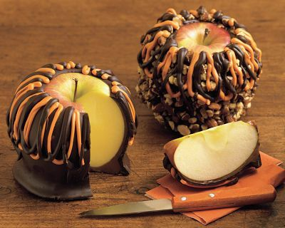 Halloween Caramel Apple: Chocolates Caramel, Halloween Parties Ideas, Candy Apples, Caramel Chocolates Apples, Halloween Treats, Halloween Apples, Halloween Caramel, Halloween Ideas, Caramel Apples